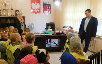 przedszkolaki u burmistrza